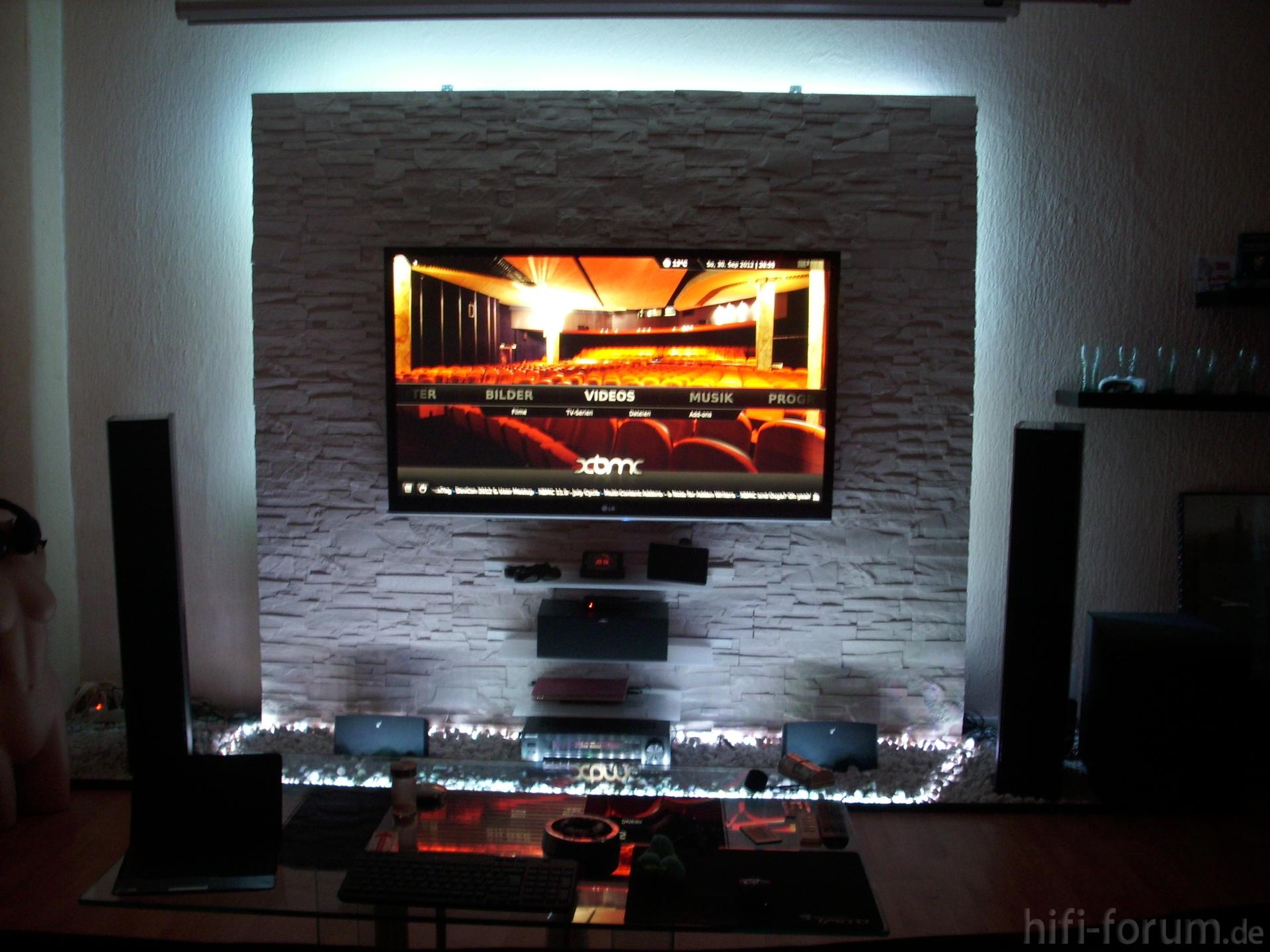 Fernsehwand als raumteiler for Wohnzimmer fernsehwand