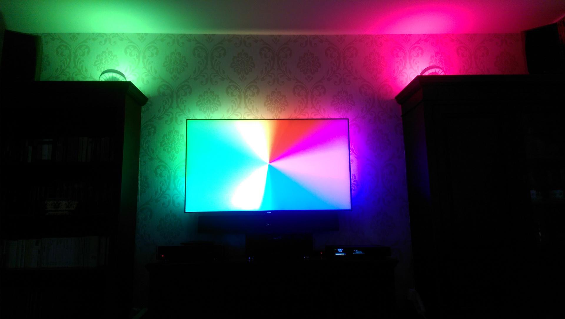 2 philips living colors iris mit 55pus7600 55pus7600 colors iris living philips hifi. Black Bedroom Furniture Sets. Home Design Ideas