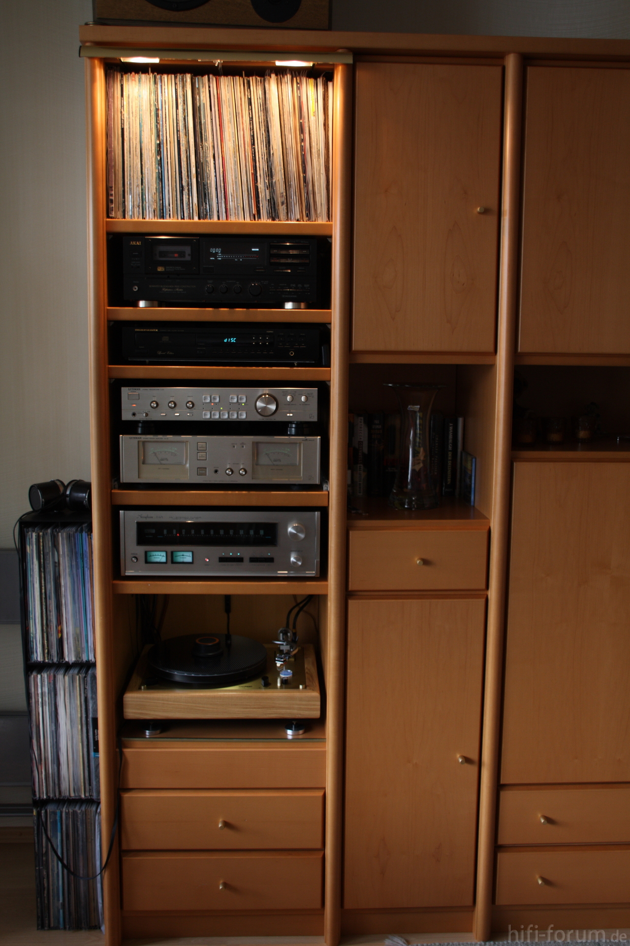 mein hifi regal hifiklassiker stereo hifi. Black Bedroom Furniture Sets. Home Design Ideas