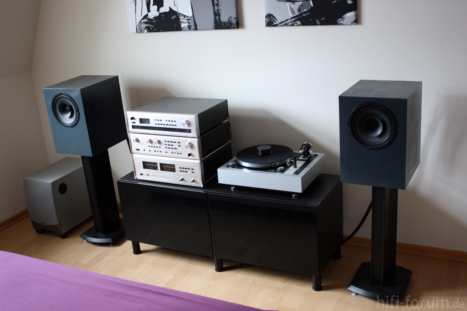 12 hifiklassiker stereo hifi bildergalerie. Black Bedroom Furniture Sets. Home Design Ideas