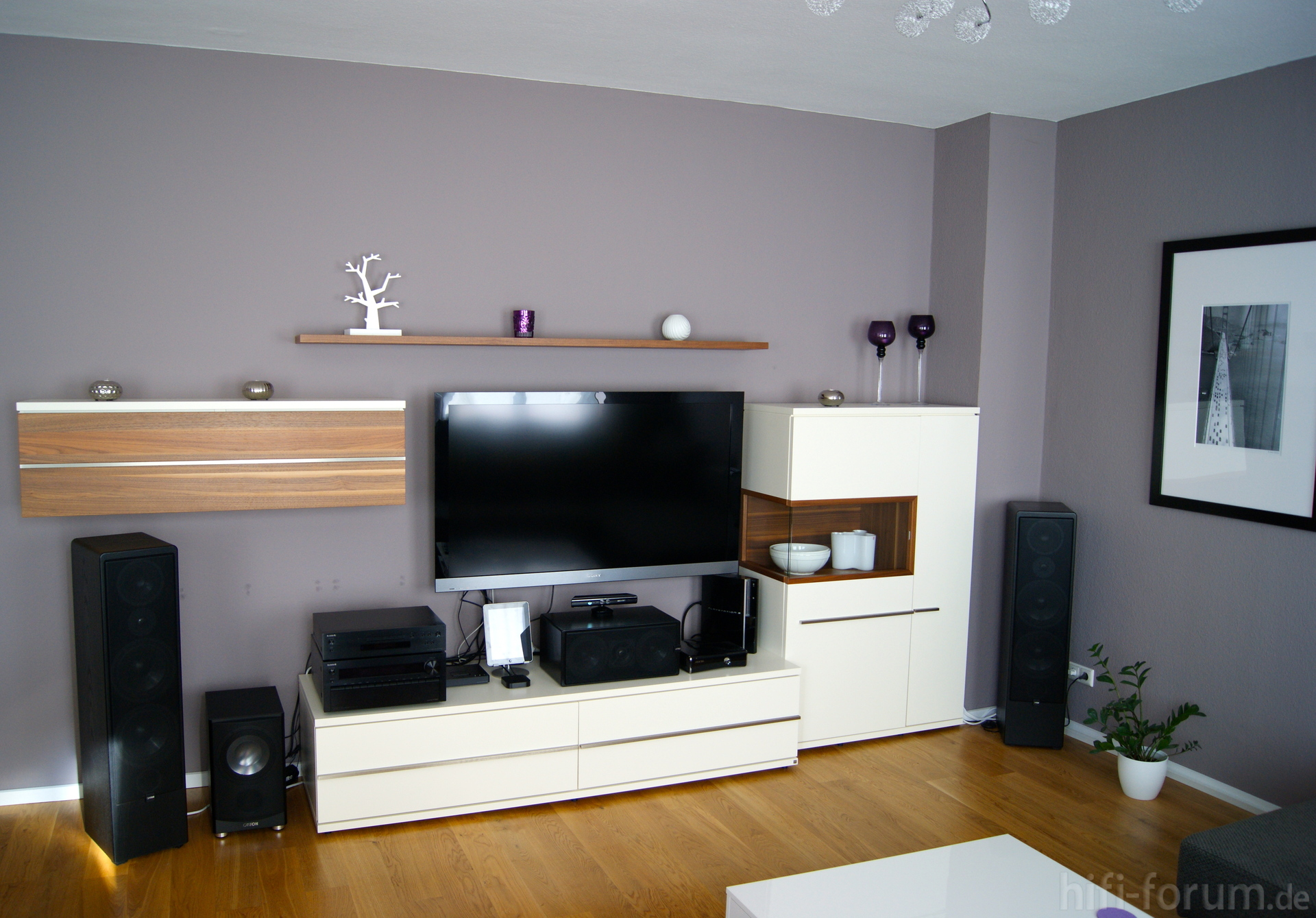 wohnzimmer front front wohnzimmer hifi bildergalerie. Black Bedroom Furniture Sets. Home Design Ideas