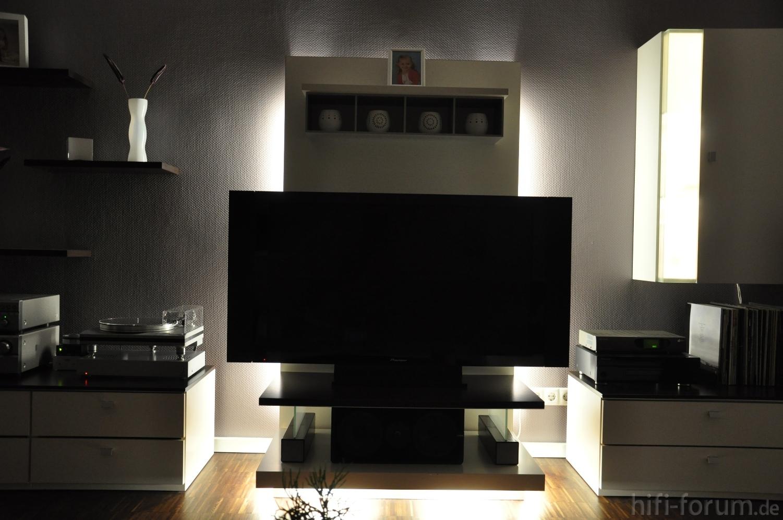 front mit hintergrundbeleuchtung front hintergrundbeleuchtung hifi bildergalerie. Black Bedroom Furniture Sets. Home Design Ideas