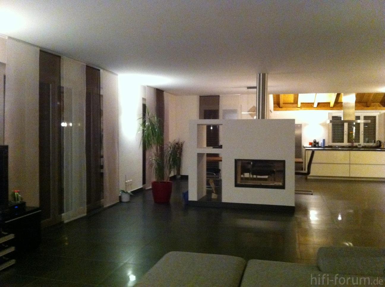 blick vom wohnzimmer in die offene k che blick heimkino k che lautsprecher offene. Black Bedroom Furniture Sets. Home Design Ideas