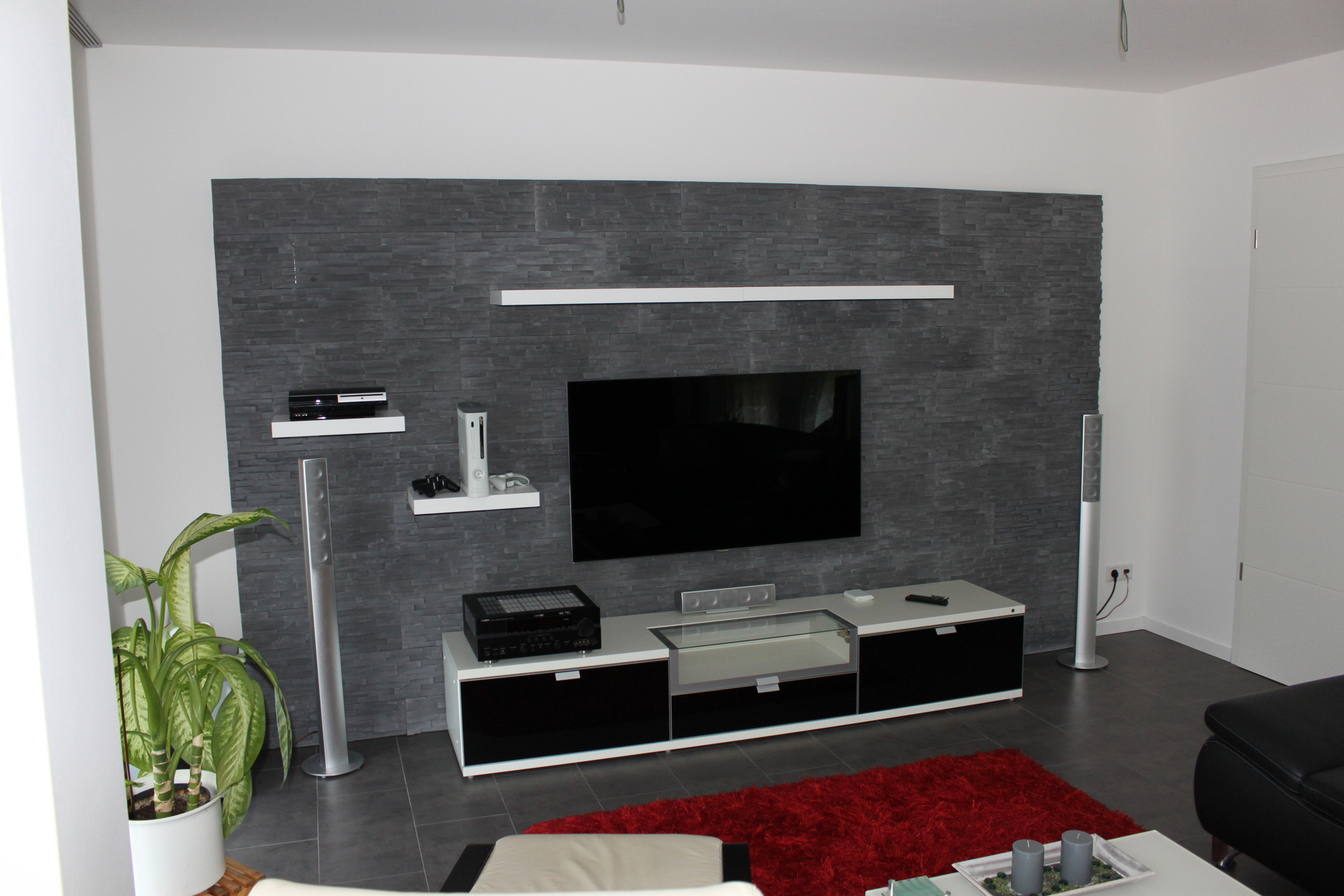 steinwand steinwand hifi bildergalerie. Black Bedroom Furniture Sets. Home Design Ideas