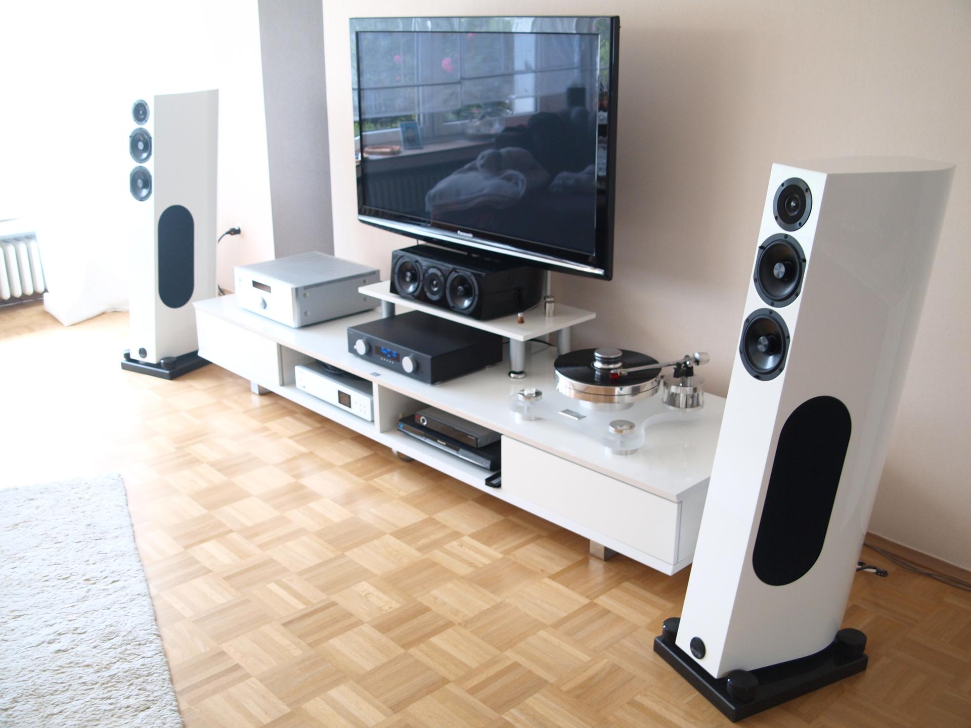 avm a3 2 und audio physic celsius optimiert a32 audio avm celsius optimiert physic. Black Bedroom Furniture Sets. Home Design Ideas
