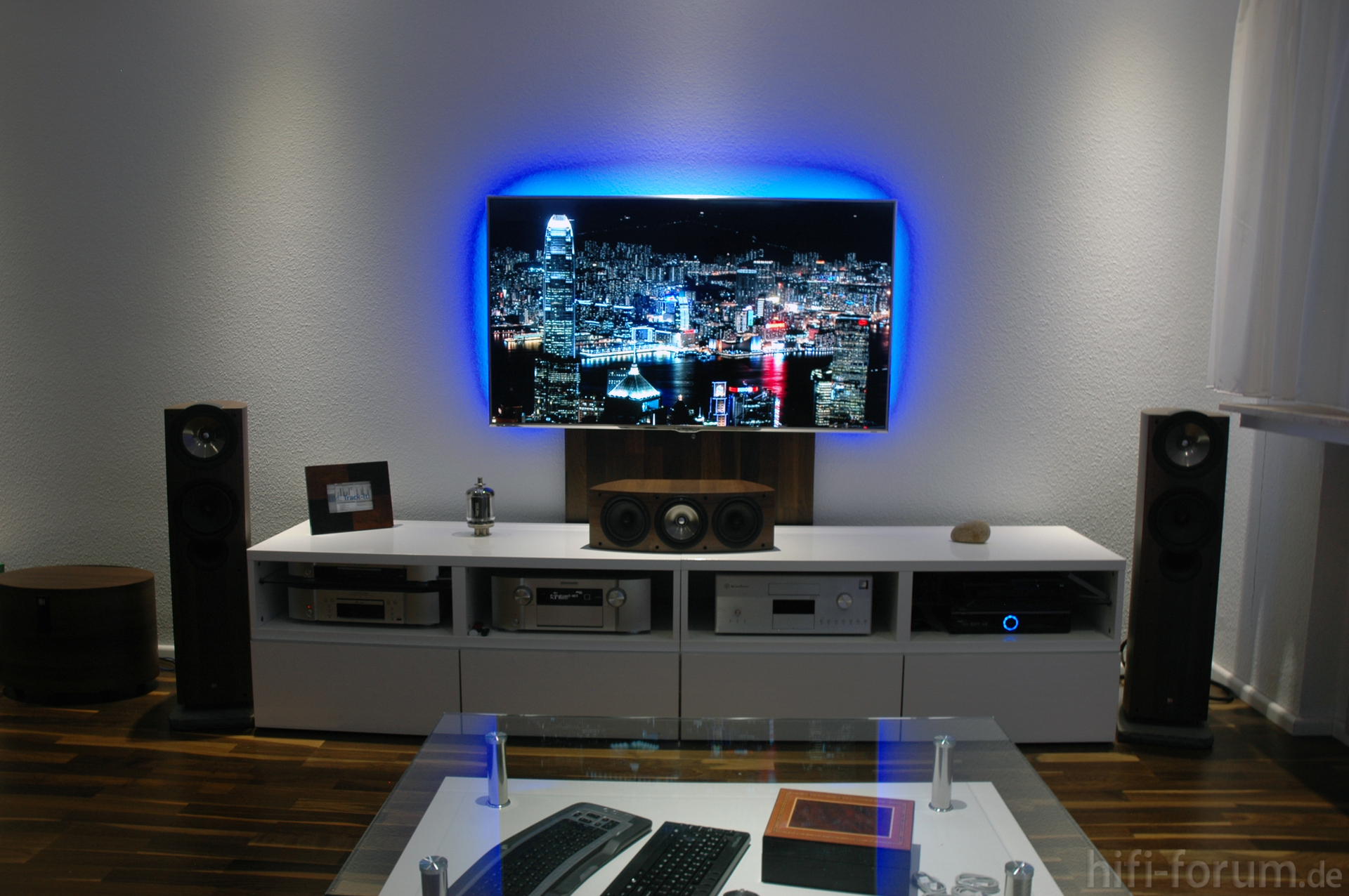 mein wohnzimmer heimkino kef marantz samsung surround topfield wohnzimmer hifi forum. Black Bedroom Furniture Sets. Home Design Ideas