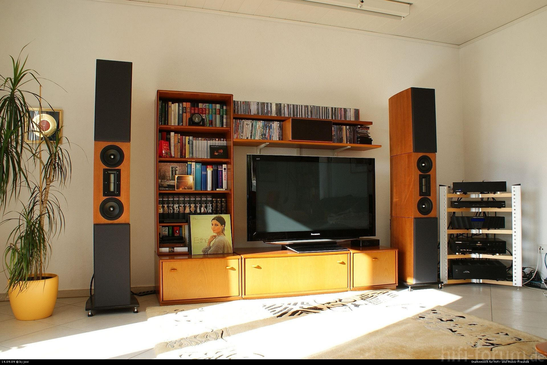 triptychon triptychon hifi bildergalerie. Black Bedroom Furniture Sets. Home Design Ideas