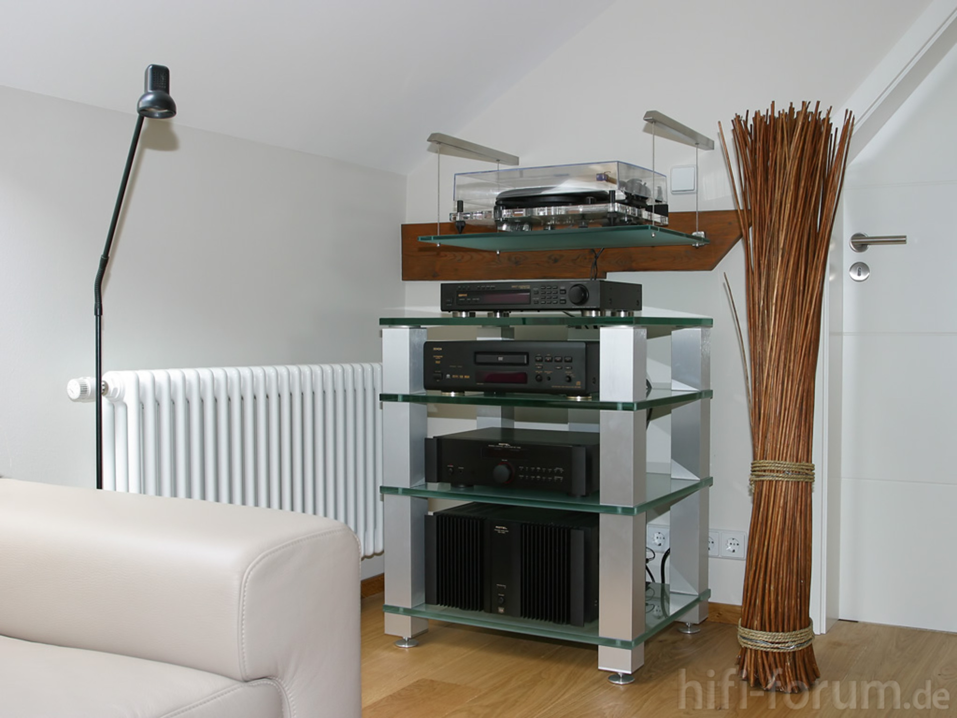 rotel im spectral rack rotel spectralrack stereo hifi bildergalerie. Black Bedroom Furniture Sets. Home Design Ideas