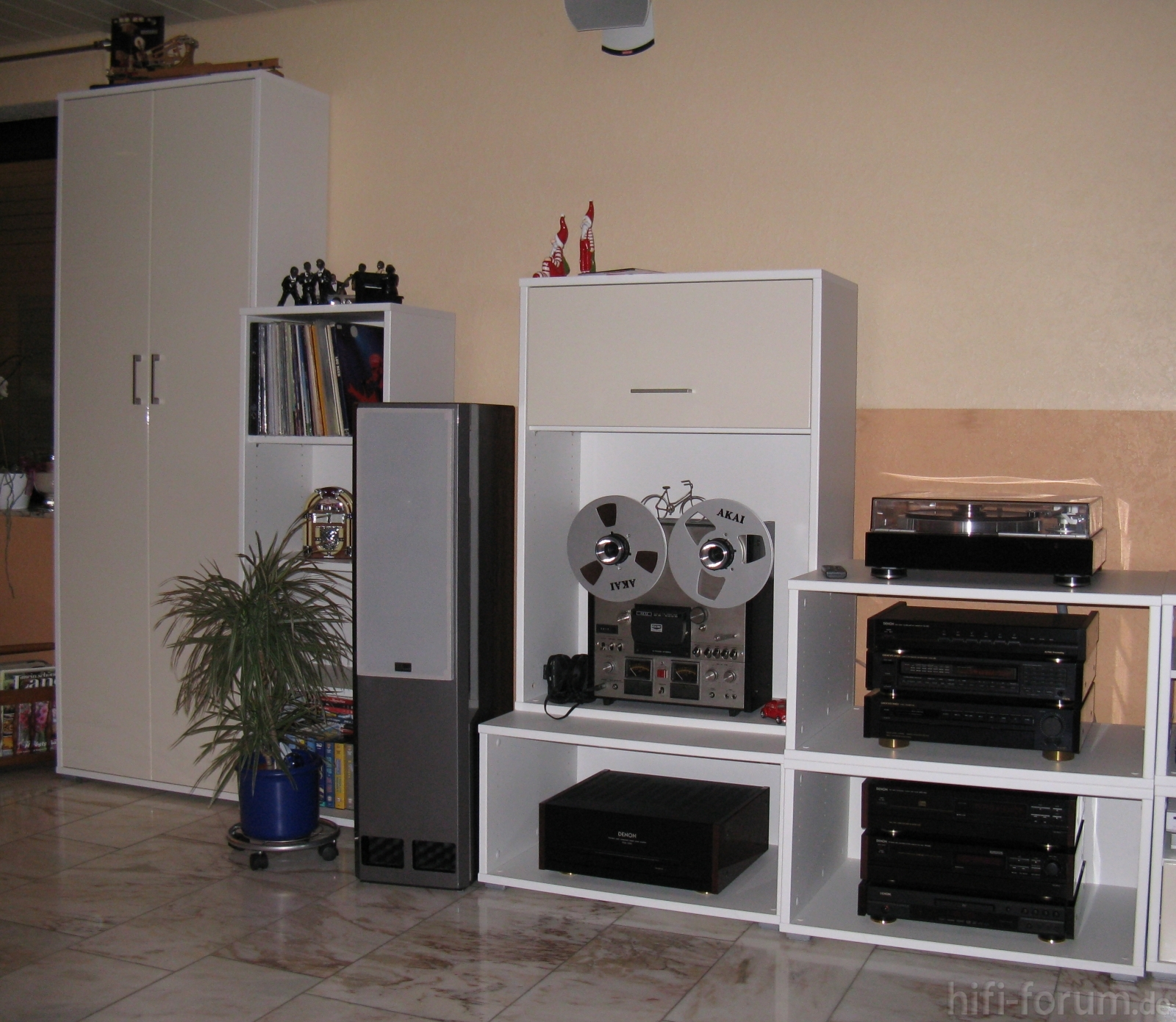 anlage wohnzimmer neu anlage hifiklassiker stereo. Black Bedroom Furniture Sets. Home Design Ideas