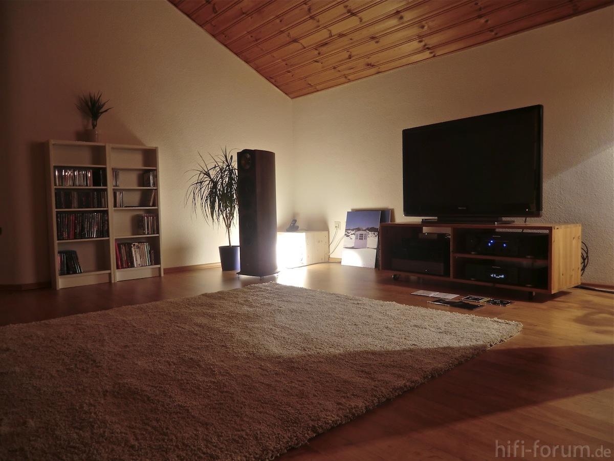 neues wohnzimmer wohnzimmer hifi bildergalerie. Black Bedroom Furniture Sets. Home Design Ideas