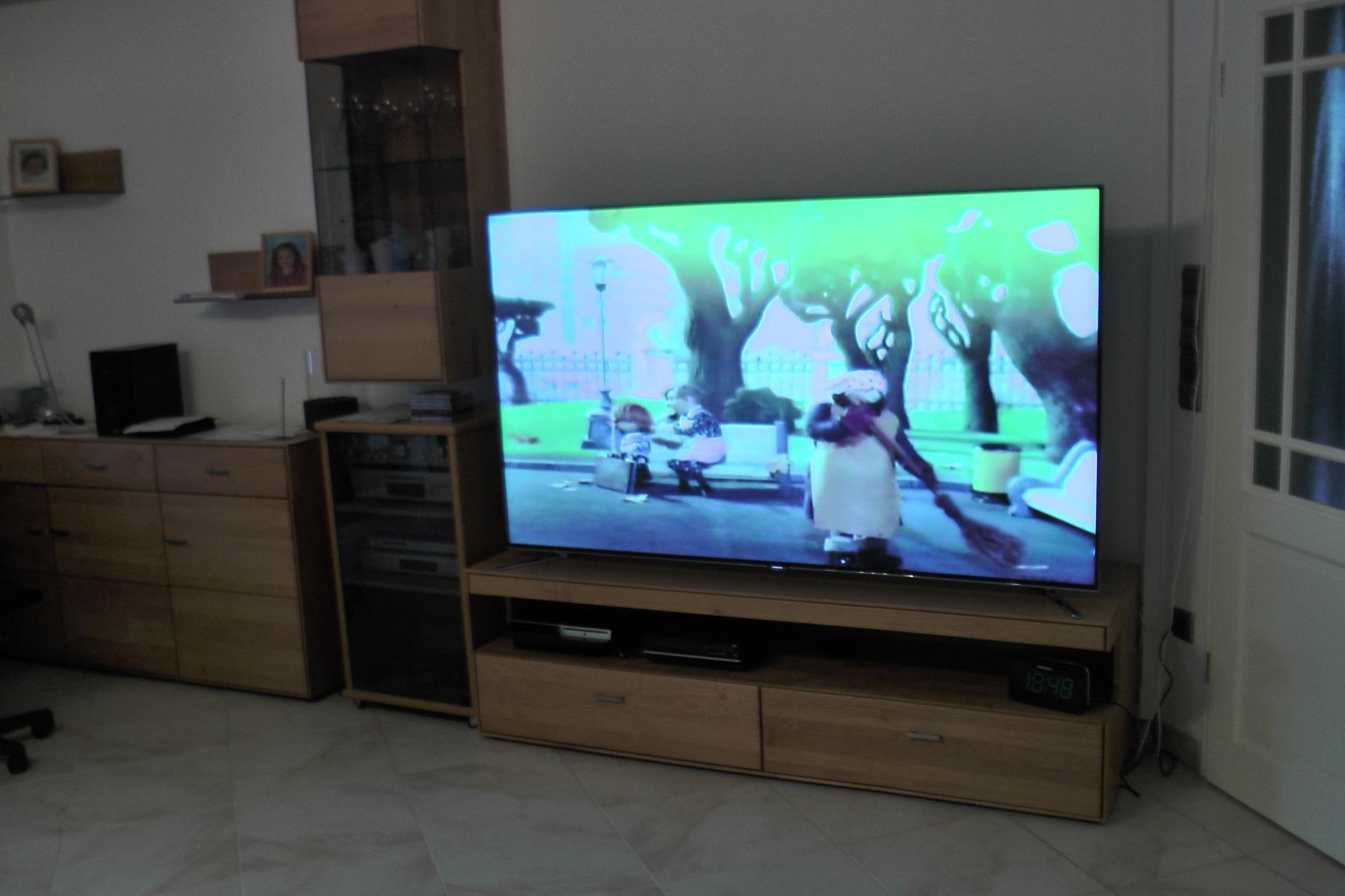 Wohnzimmer ca 50 qm 75 zoll samsung qm samsung - Tv wandhalterung 75 zoll ...