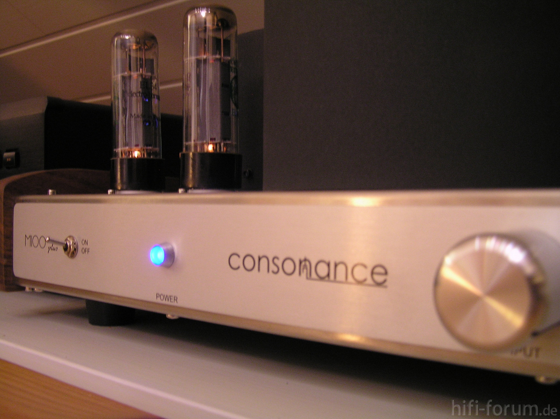 Opera Consonance M 100 Plus