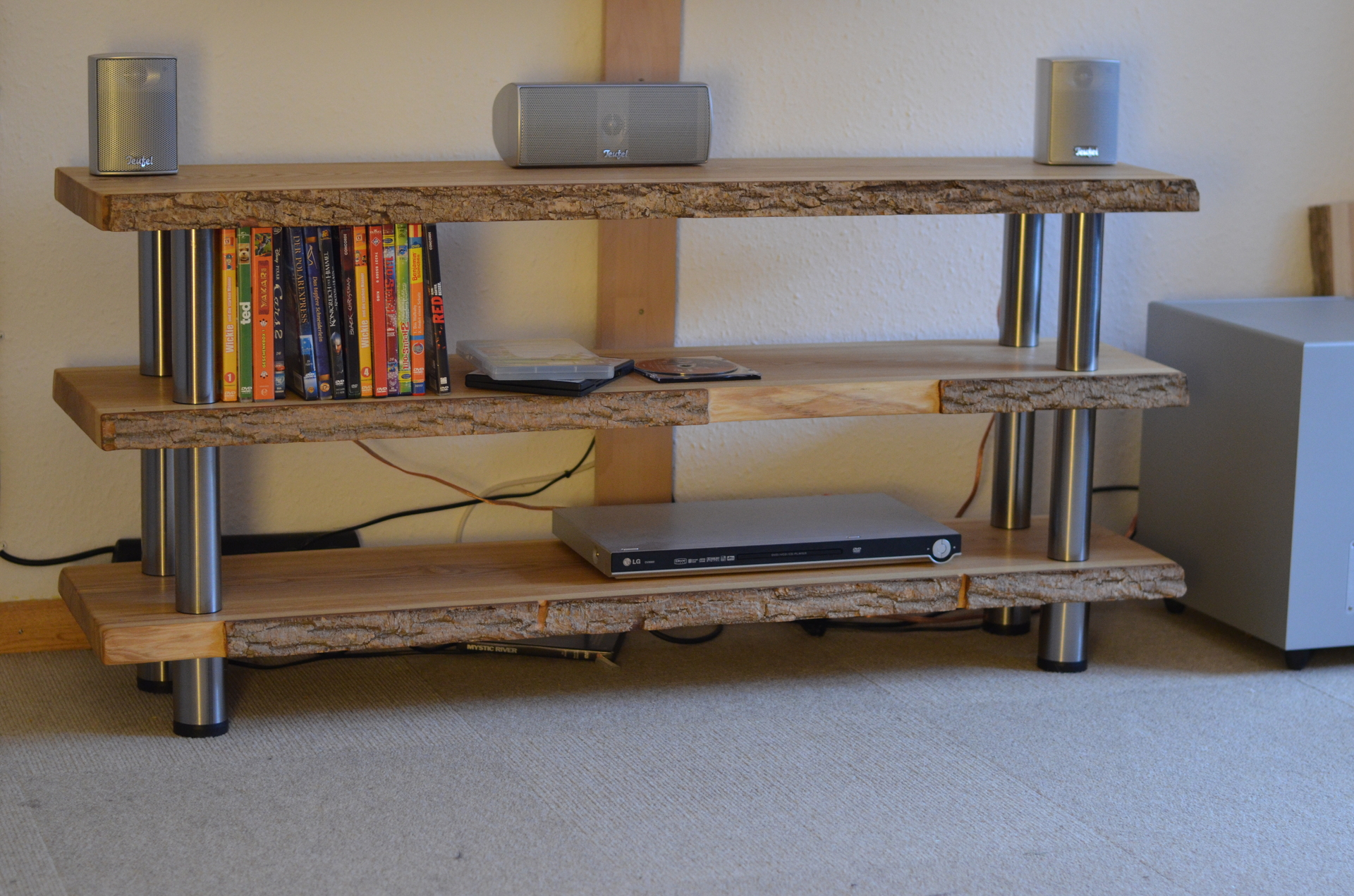 massiv esche lowboard doityourself esche lowboard. Black Bedroom Furniture Sets. Home Design Ideas