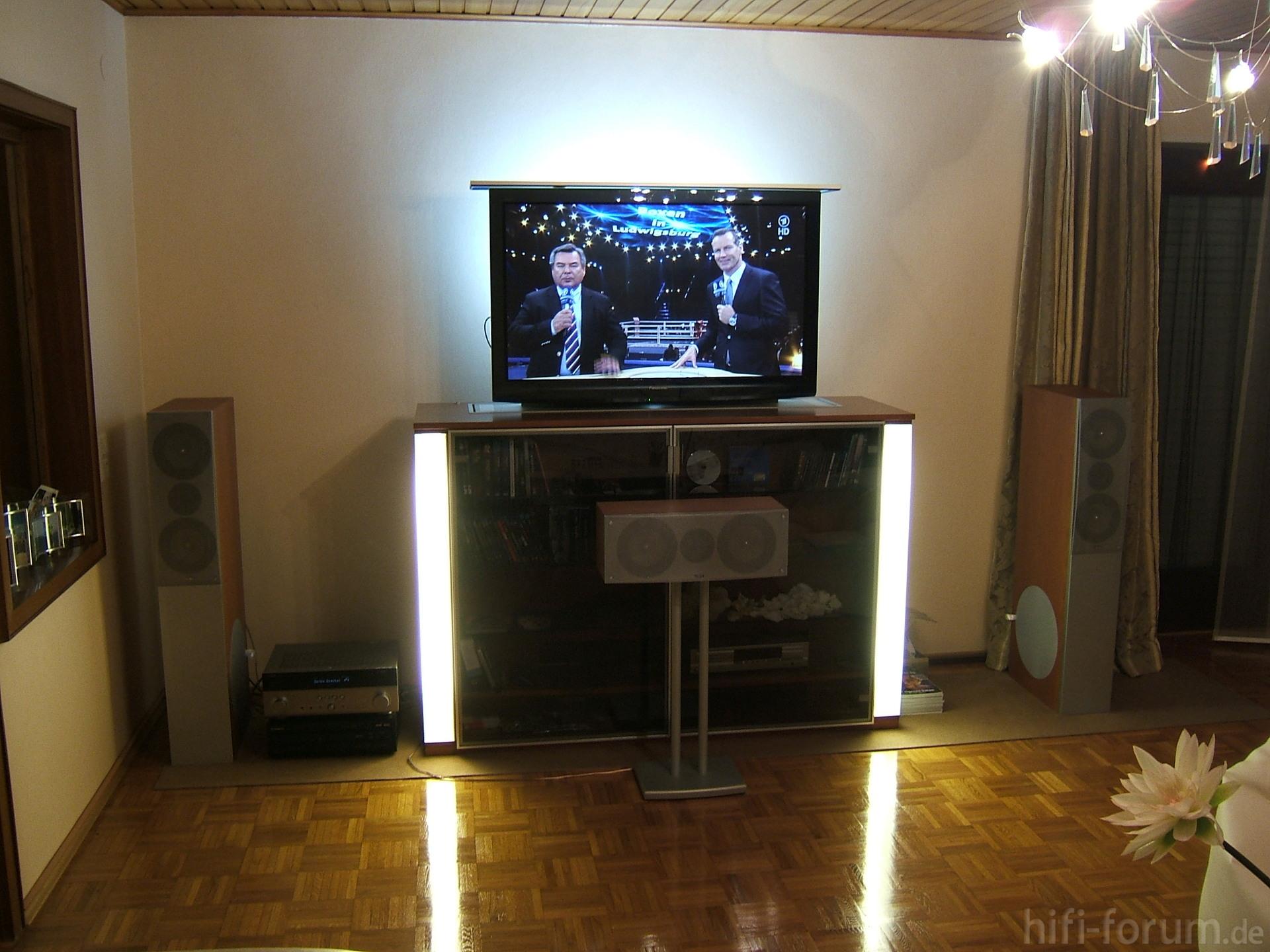 Heimkino Wand mit TV  heimkino, tv, wand  hififorumde