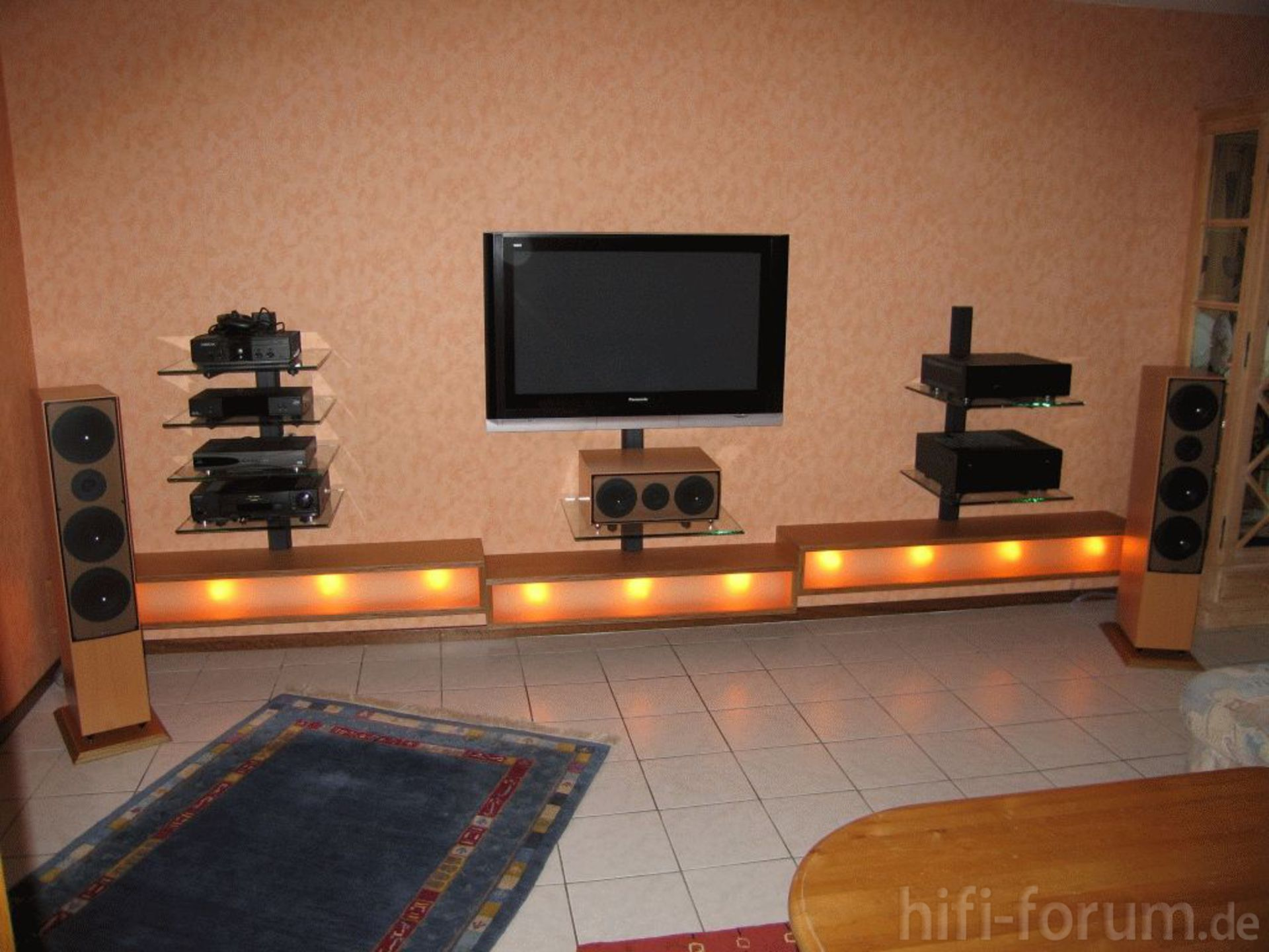 gesamt mit beleuchtung gesamt heimkino surround hifi. Black Bedroom Furniture Sets. Home Design Ideas
