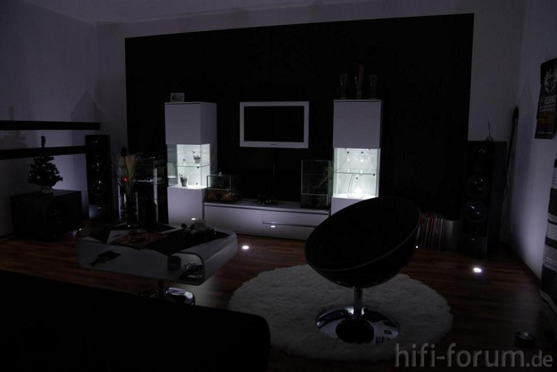 meine erste wohnung erster h hrraum stereo wohnung hifi bildergalerie. Black Bedroom Furniture Sets. Home Design Ideas