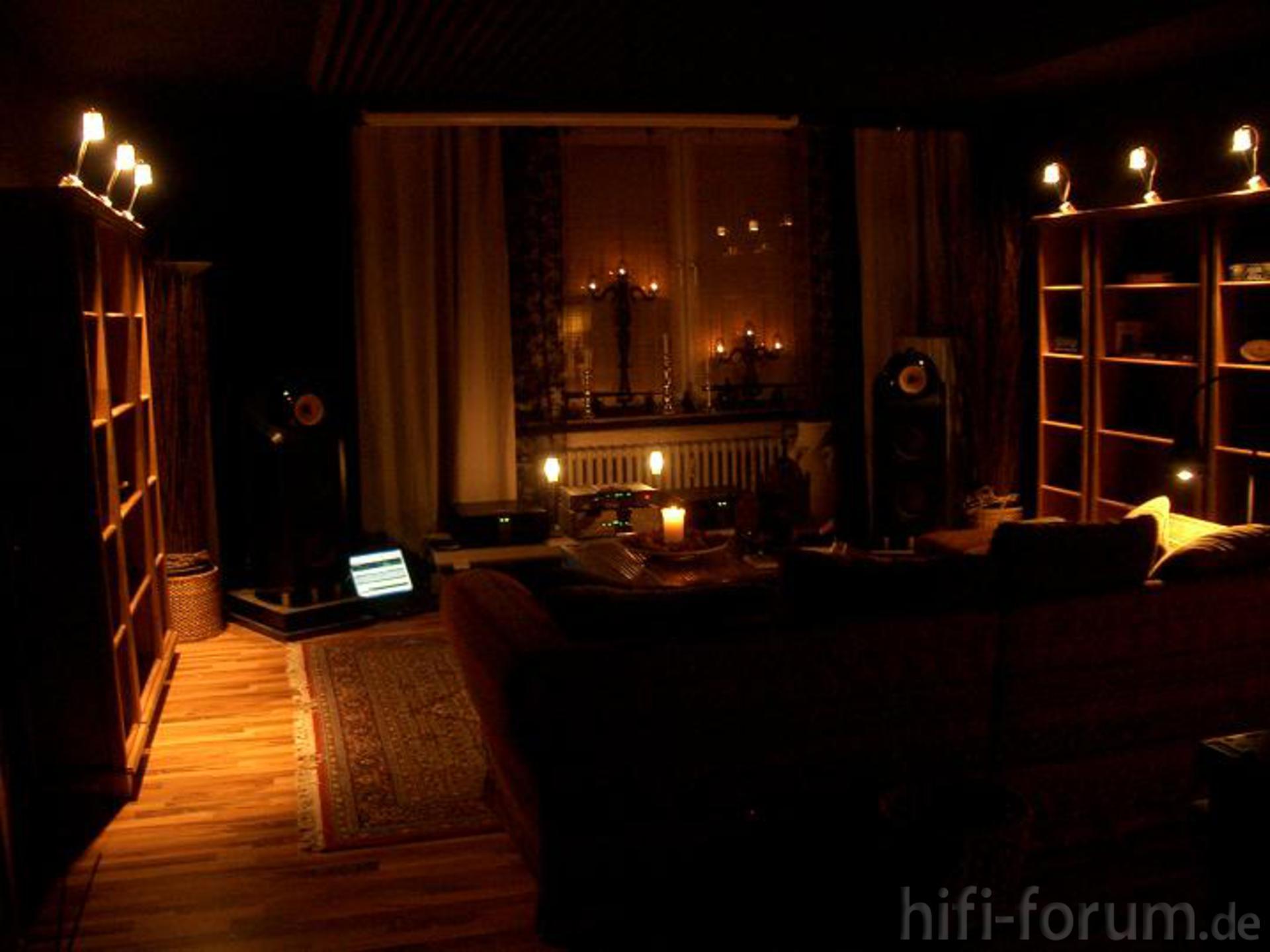 wohnzimmer fast fertig gestalltet decken und kantenabsorber sichtbar decken fertig. Black Bedroom Furniture Sets. Home Design Ideas
