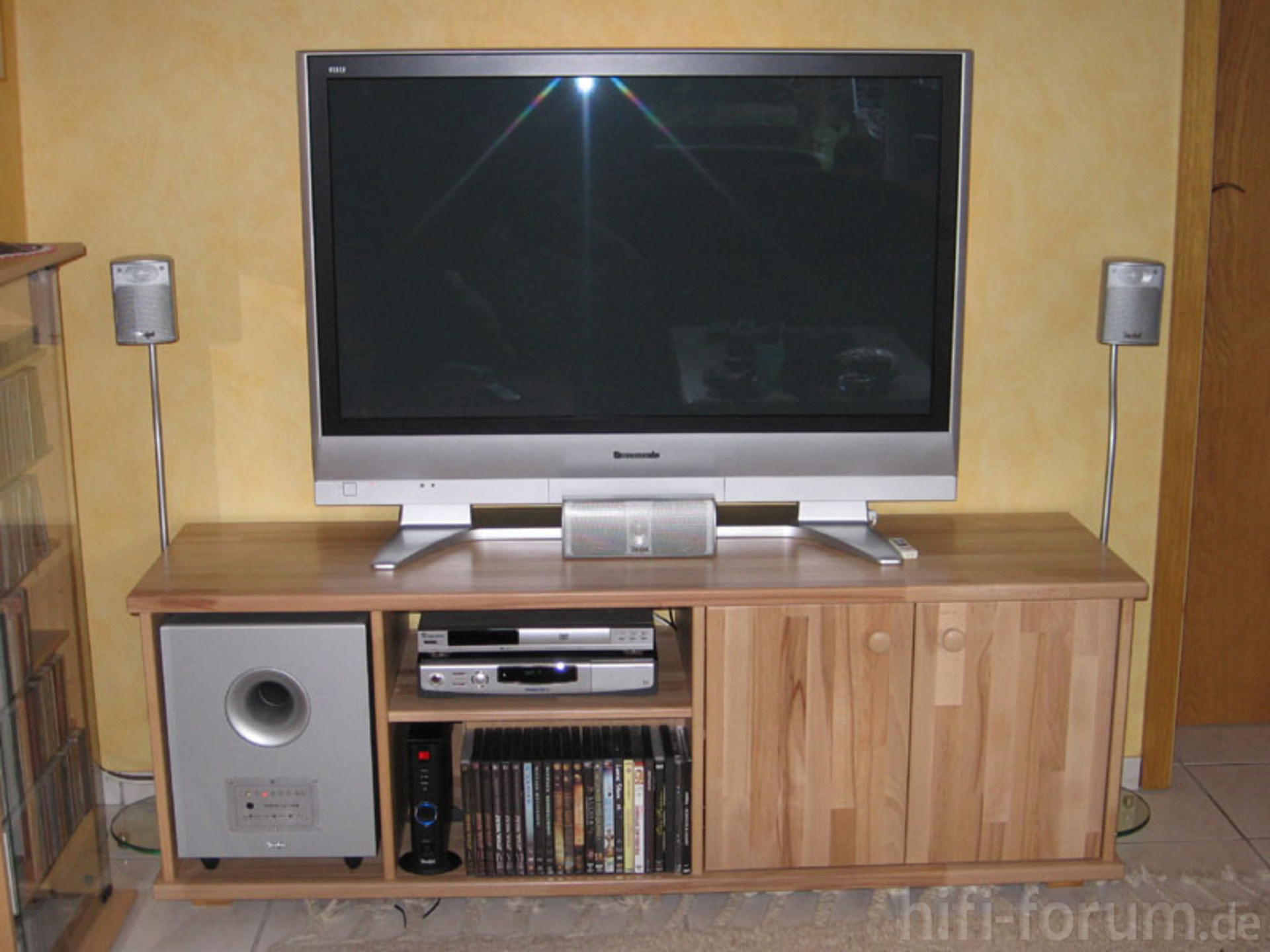 plasma tv bank buche leimholz bank do it yourself. Black Bedroom Furniture Sets. Home Design Ideas