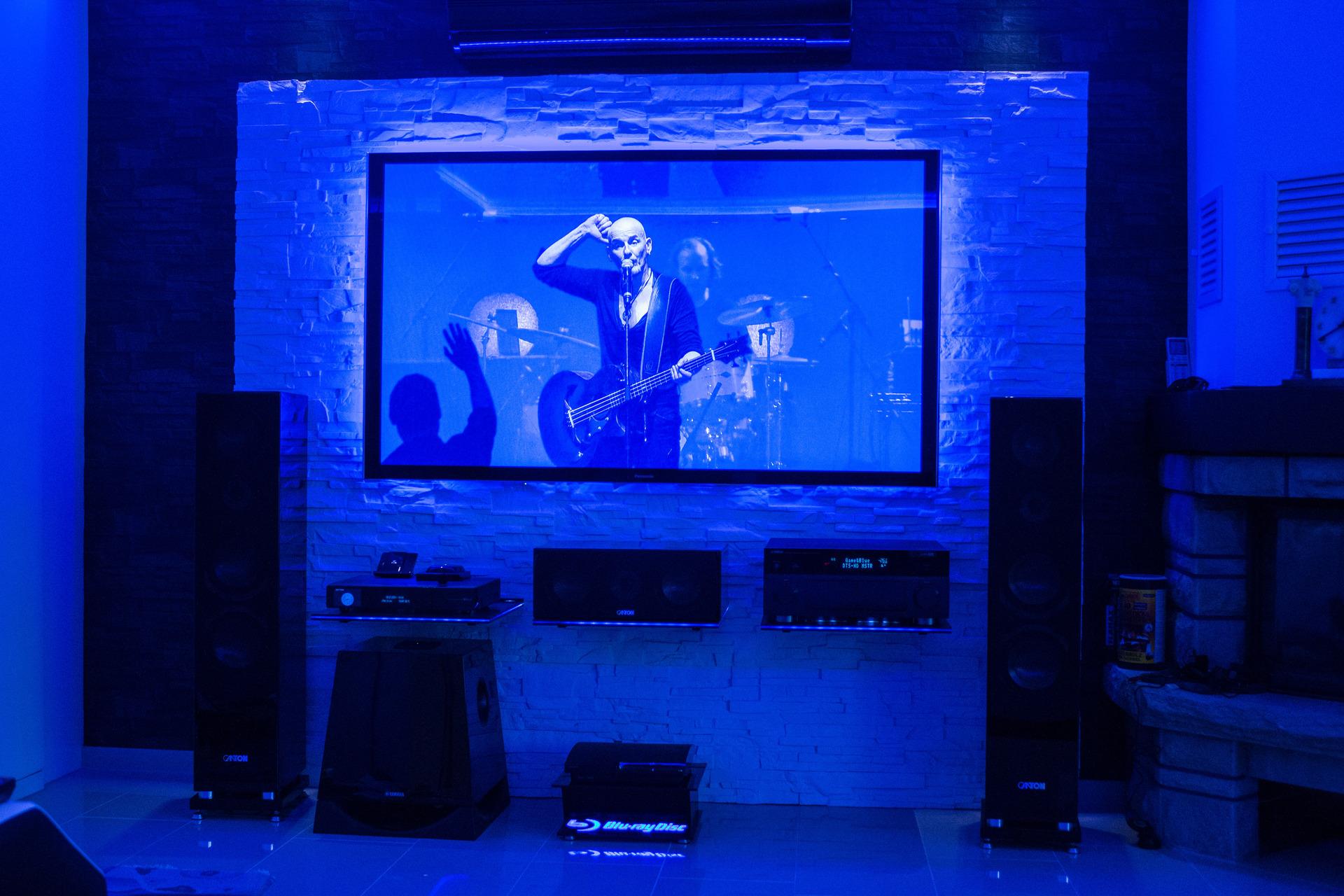 komplettansicht mit neuem panasonic 65 zoll vtw60 plasma. Black Bedroom Furniture Sets. Home Design Ideas