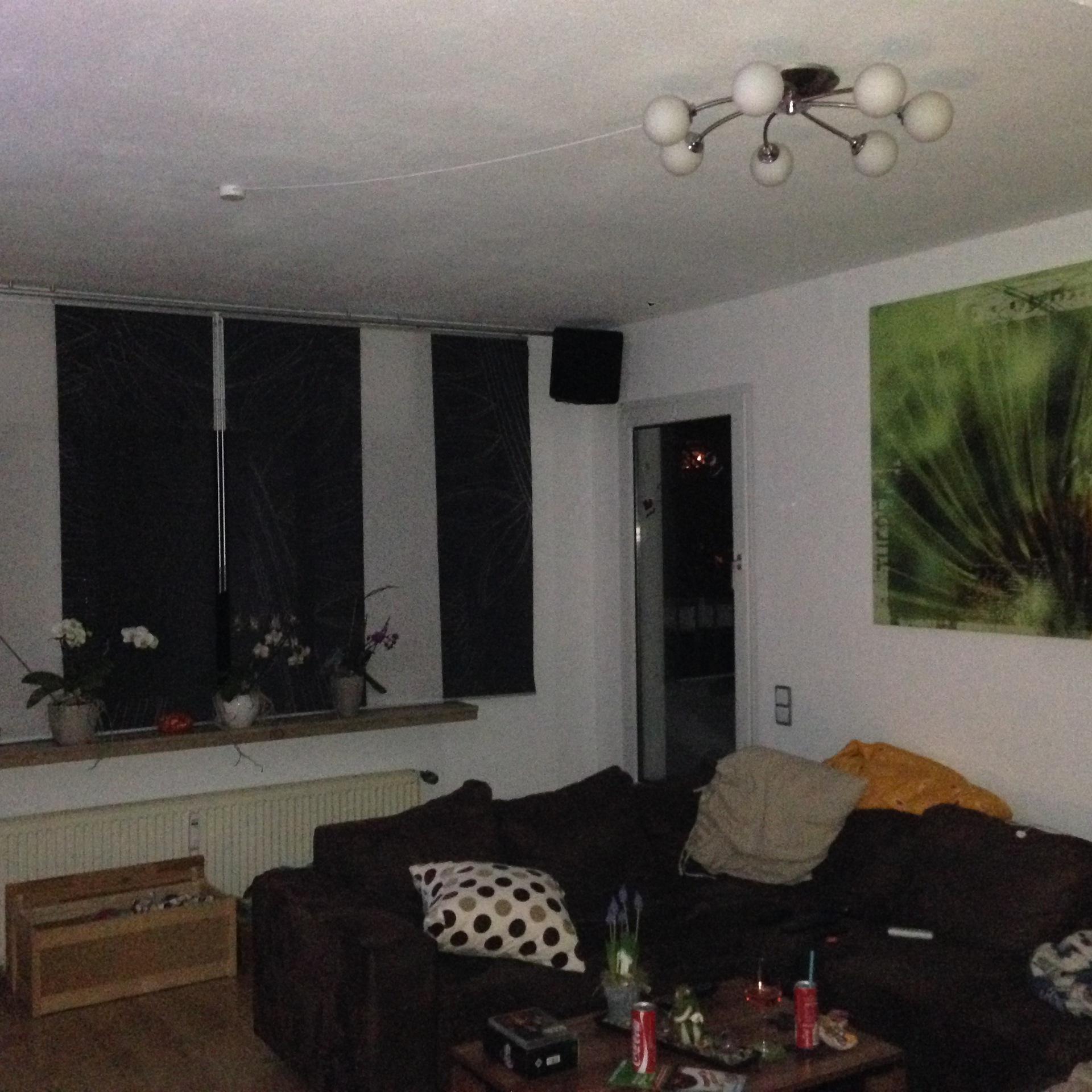 schattenfugenleiste unter der decke m bel und heimat design inspiration. Black Bedroom Furniture Sets. Home Design Ideas