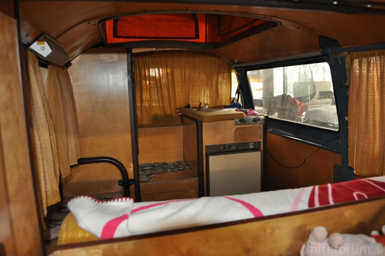 vw t2 bulli wohnraum bulli t2 vw wohnraum hifi bildergalerie. Black Bedroom Furniture Sets. Home Design Ideas
