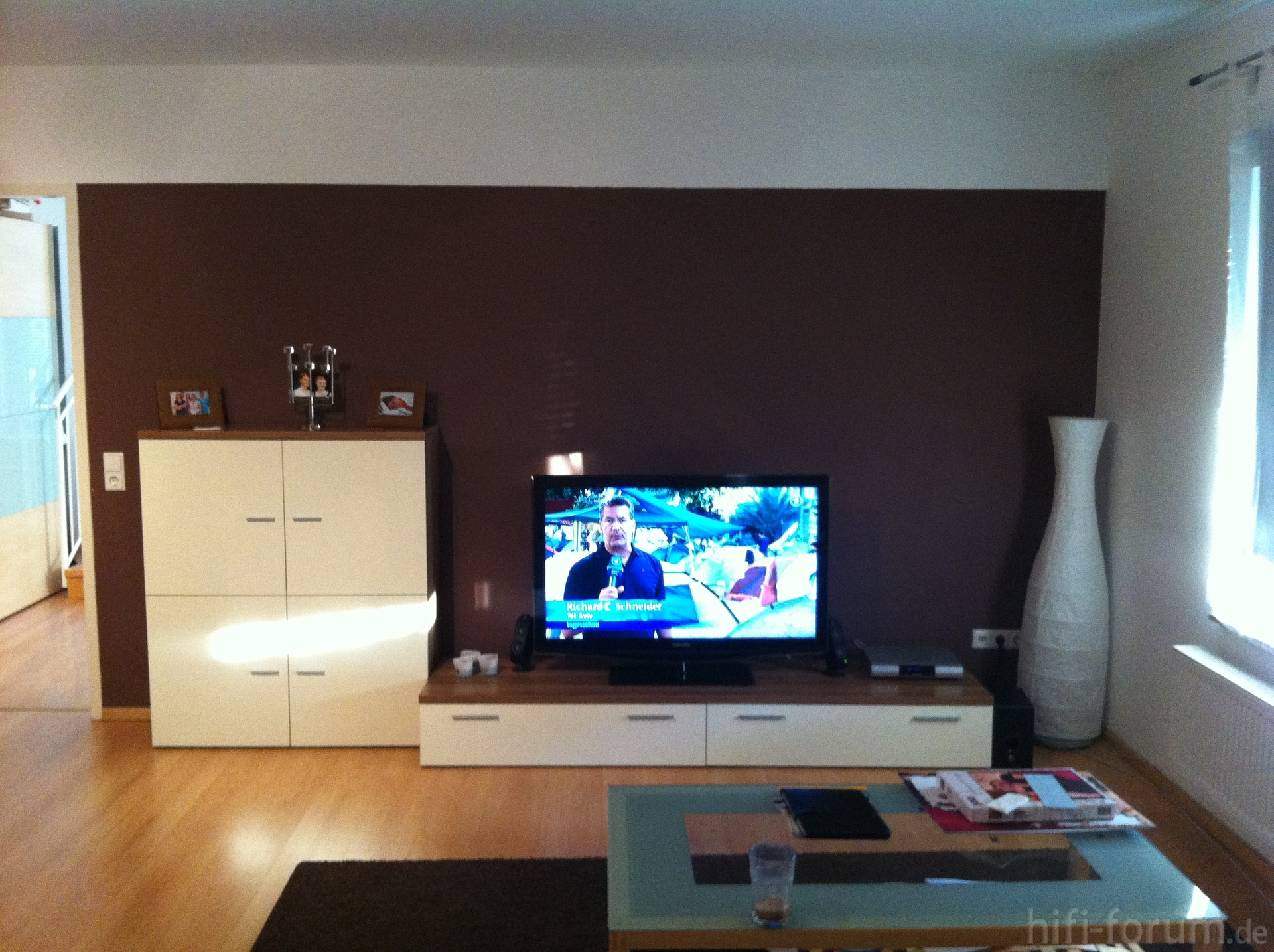 Wohnzimmer vom Sofa aus | heimkino, lautsprecher, sofa, surround ...