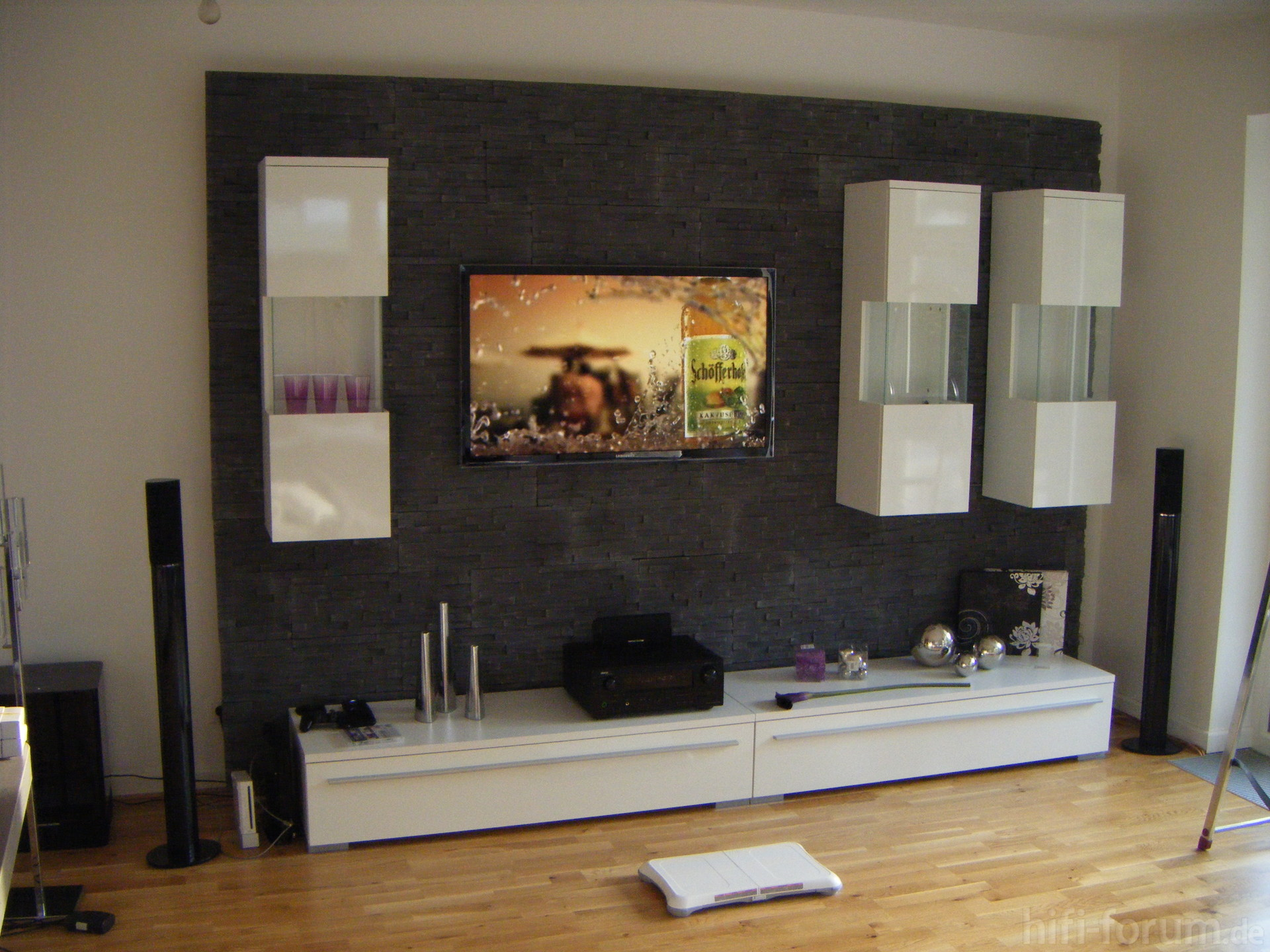 tv wand heimkino surround tv wand hififorumde. Black Bedroom Furniture Sets. Home Design Ideas