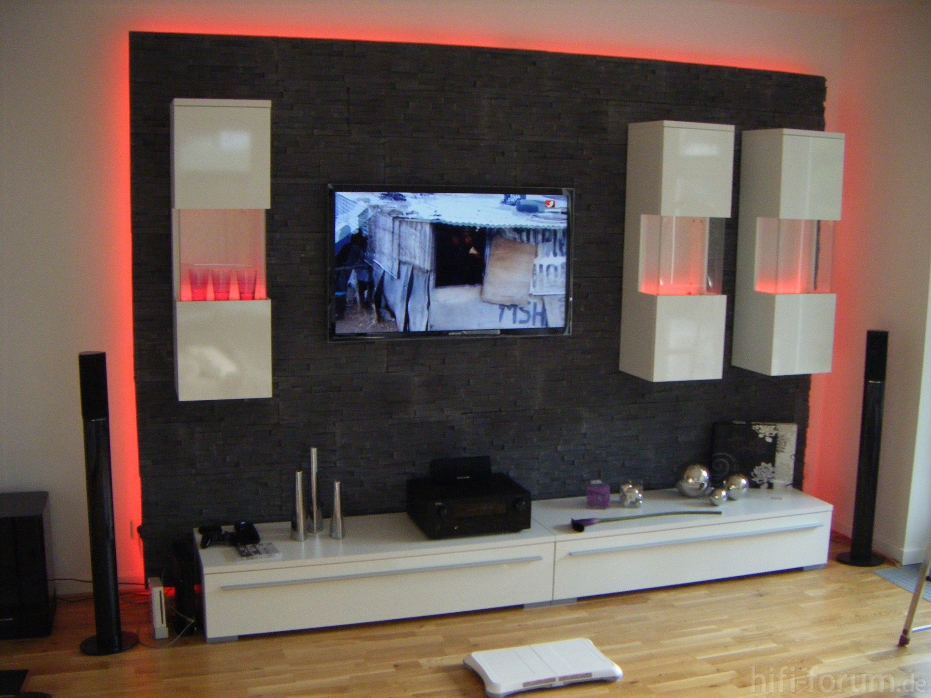 tv wand heimkino surround tv wand hifi bildergalerie. Black Bedroom Furniture Sets. Home Design Ideas