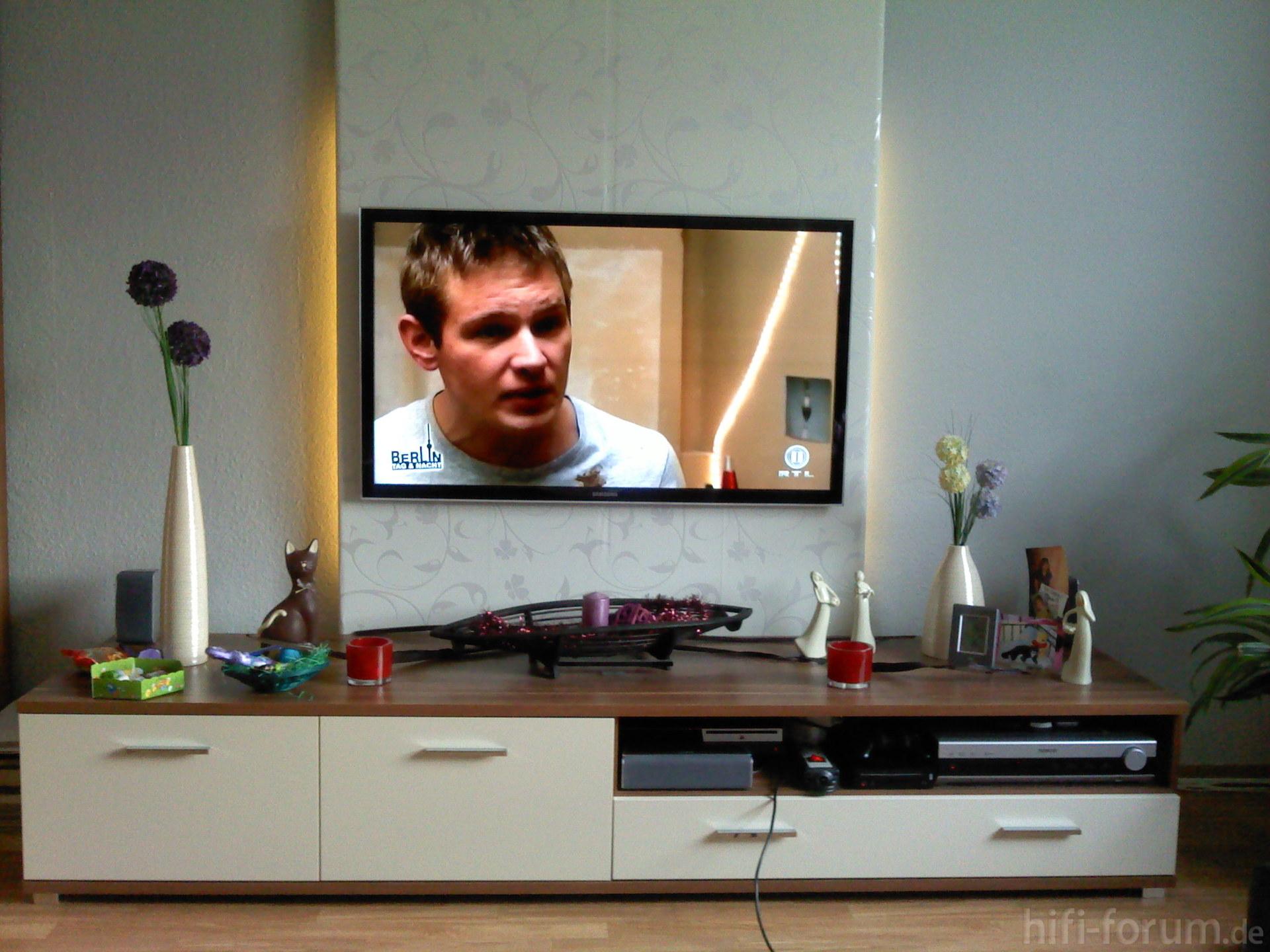ue46d5000 an wand wand hifi bildergalerie. Black Bedroom Furniture Sets. Home Design Ideas