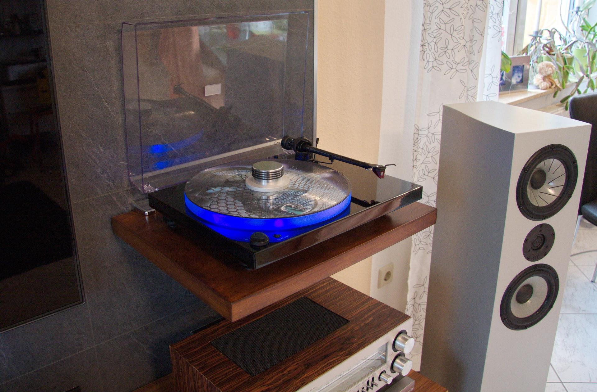 led beleuchtung beleuchtung led hifi bildergalerie. Black Bedroom Furniture Sets. Home Design Ideas