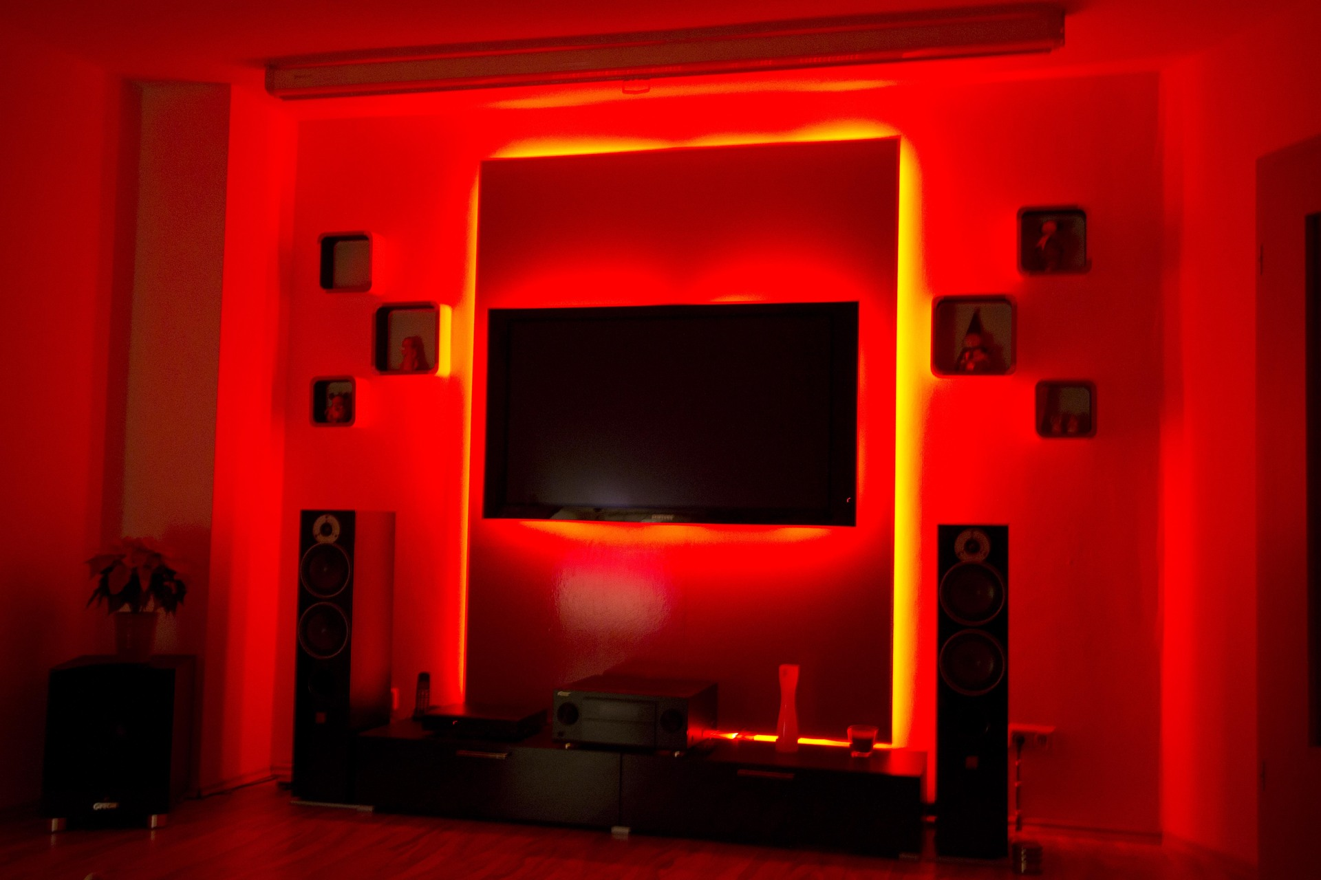 led tv wand mit neuem beamer beamer led tv wand hifi bildergalerie. Black Bedroom Furniture Sets. Home Design Ideas