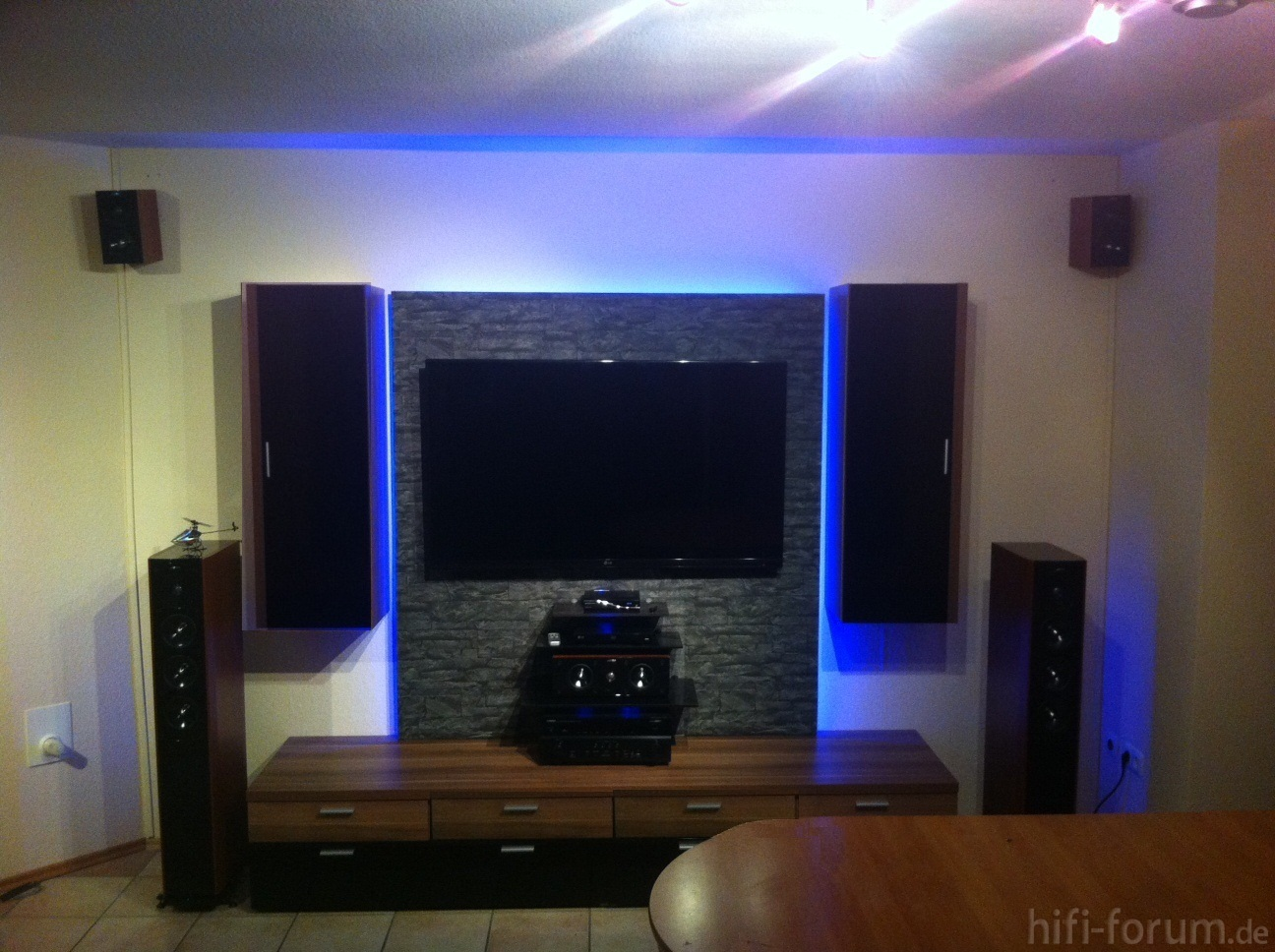 tv wand tvwand hifi bildergalerie. Black Bedroom Furniture Sets. Home Design Ideas