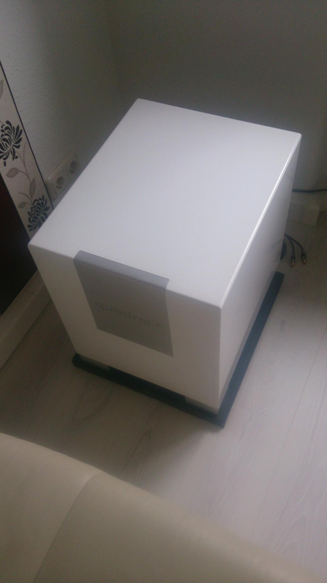 mein wei er cube 12 cube wei er hifi bildergalerie. Black Bedroom Furniture Sets. Home Design Ideas