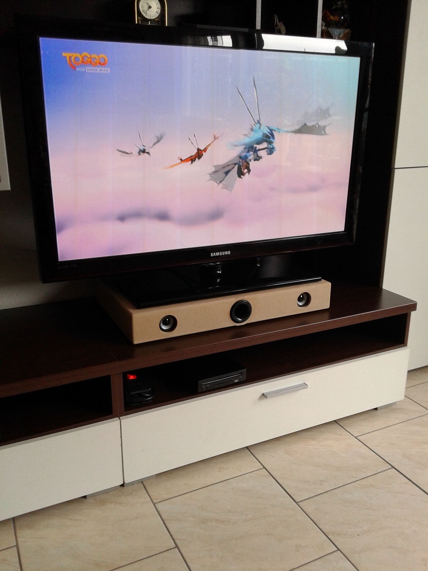 soundbar eigenbau eigenbau soundbar hifi bildergalerie. Black Bedroom Furniture Sets. Home Design Ideas