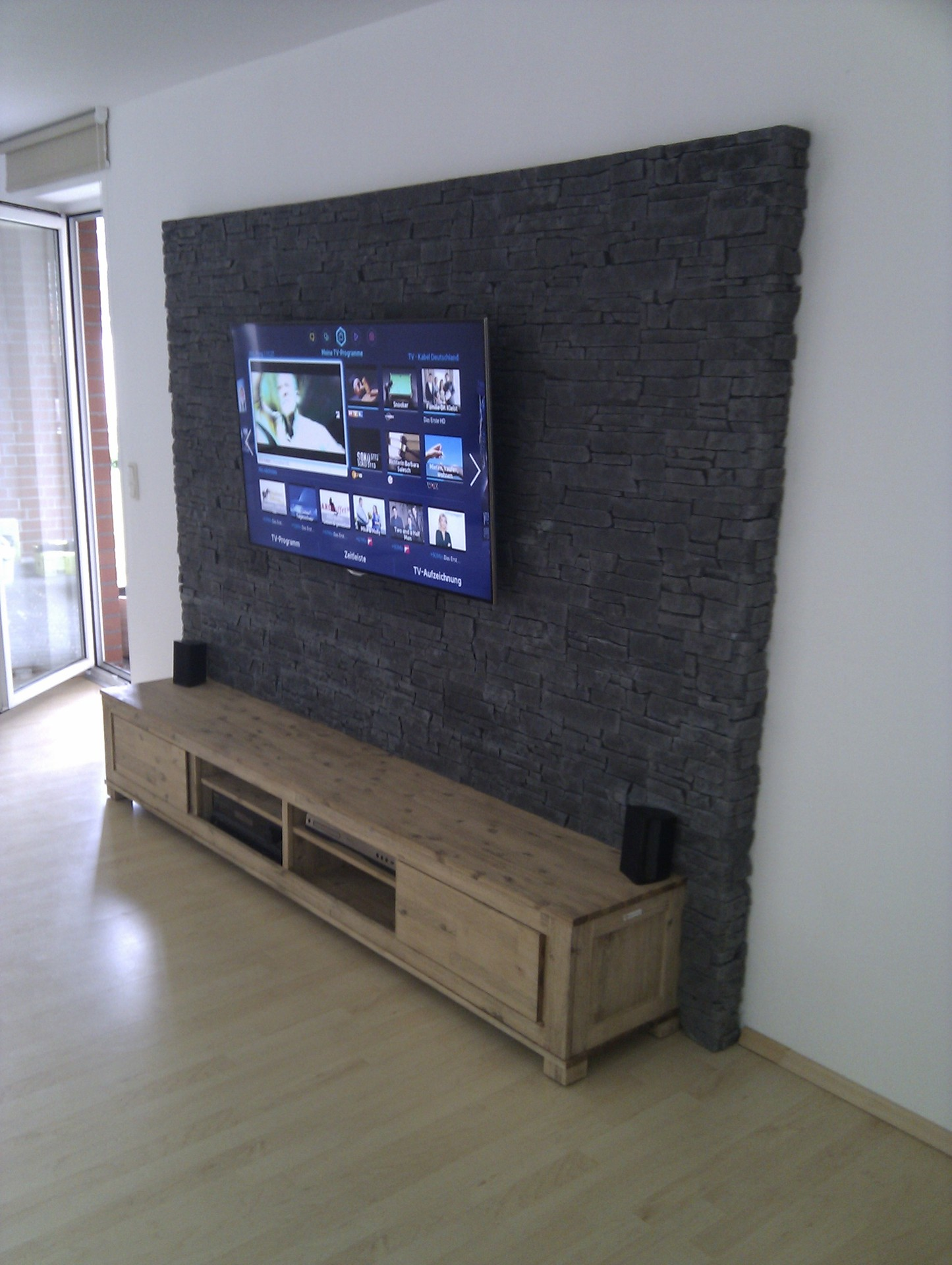 steinwand mediawand eigenbau eigenbau mediawand steinwand steinwandmultimedia hifi forum. Black Bedroom Furniture Sets. Home Design Ideas