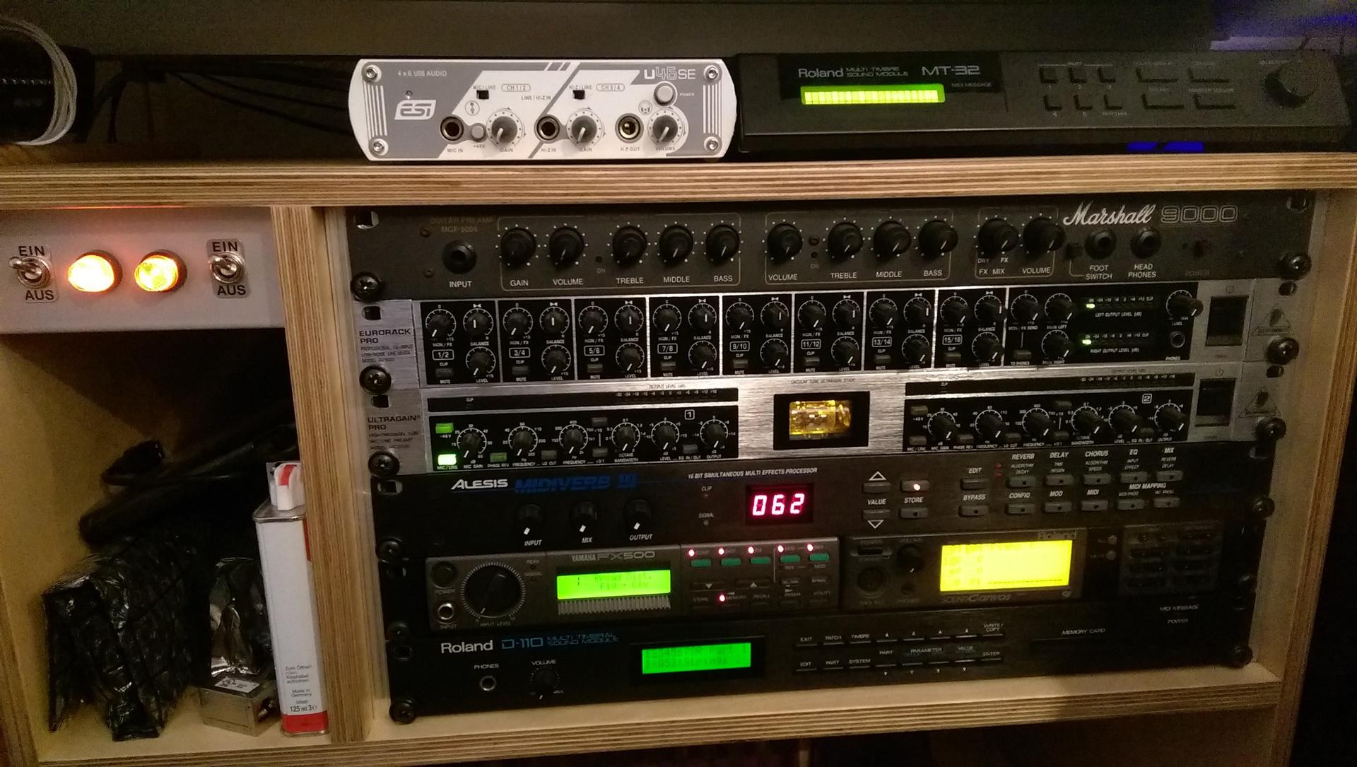 synhies und studioequipment stereo hifi bildergalerie. Black Bedroom Furniture Sets. Home Design Ideas