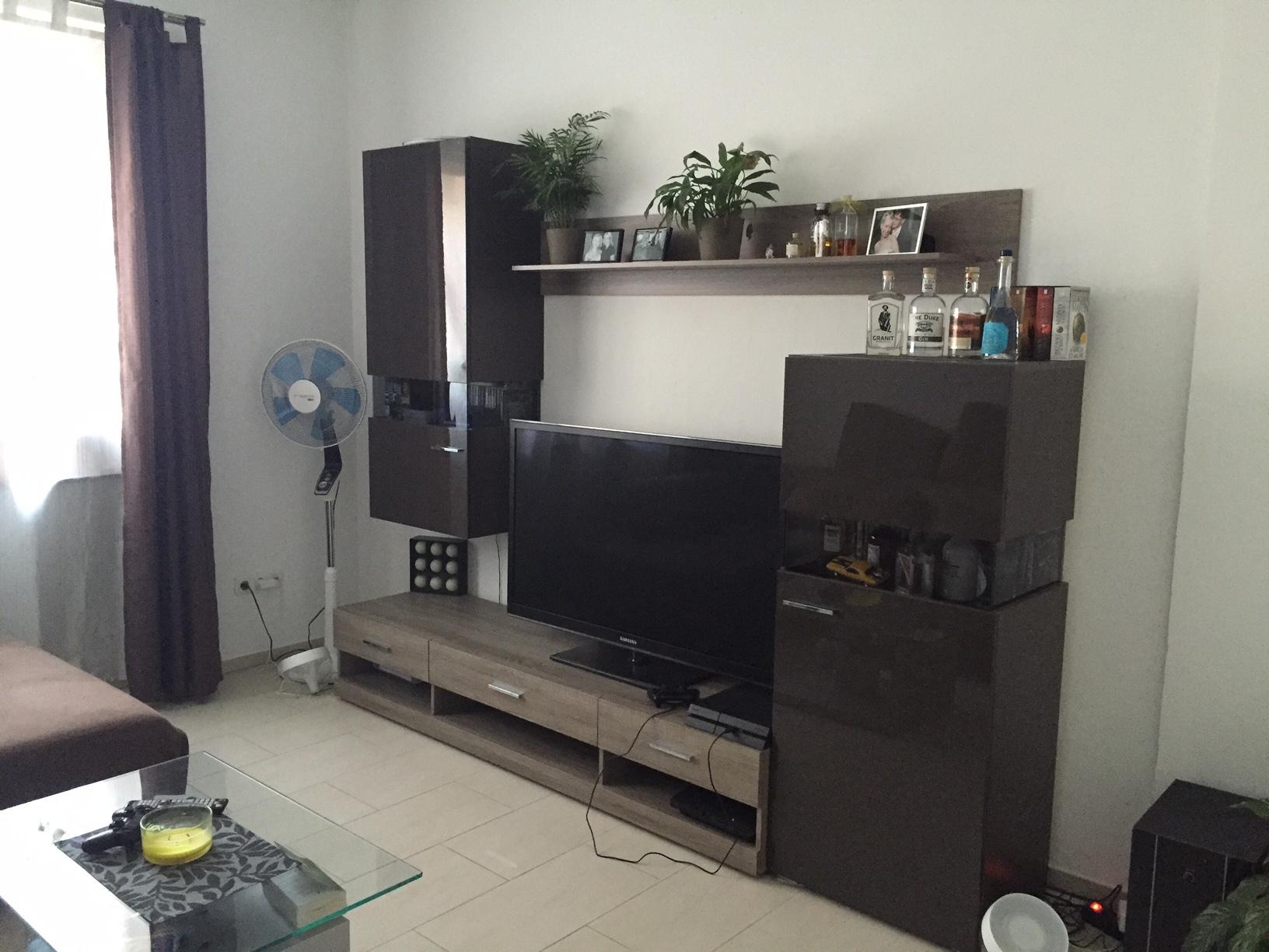 wohnzimmer heimkino heimkinowohnzimmer lautsprecher. Black Bedroom Furniture Sets. Home Design Ideas