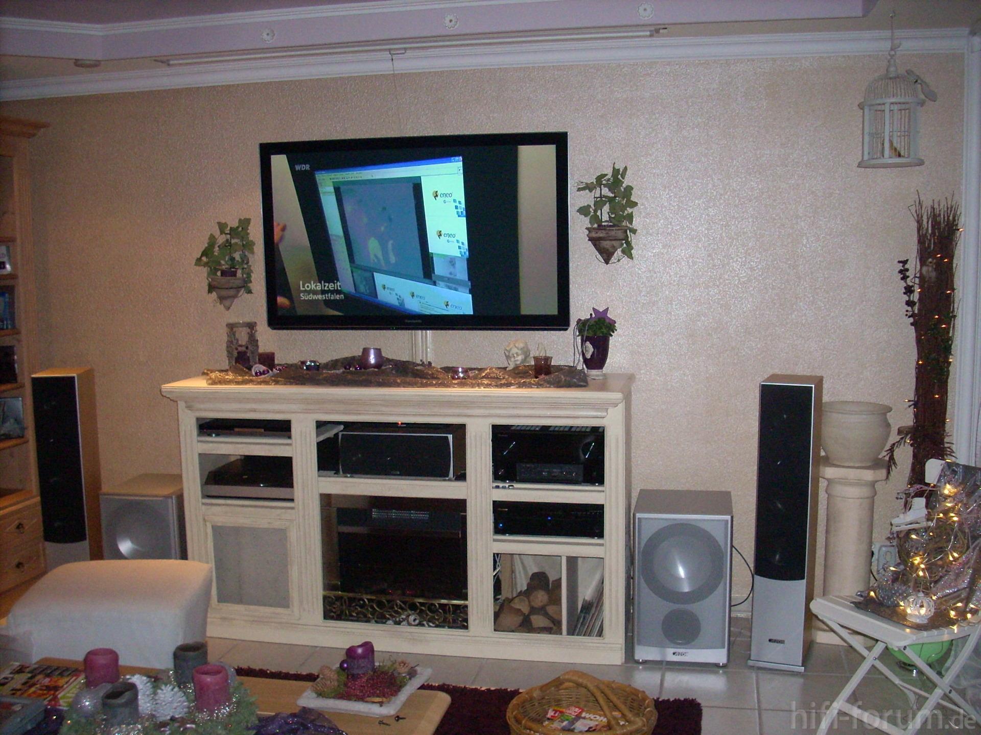 und geschafft endlich an der wand endlich geschafft wand hifi bildergalerie. Black Bedroom Furniture Sets. Home Design Ideas