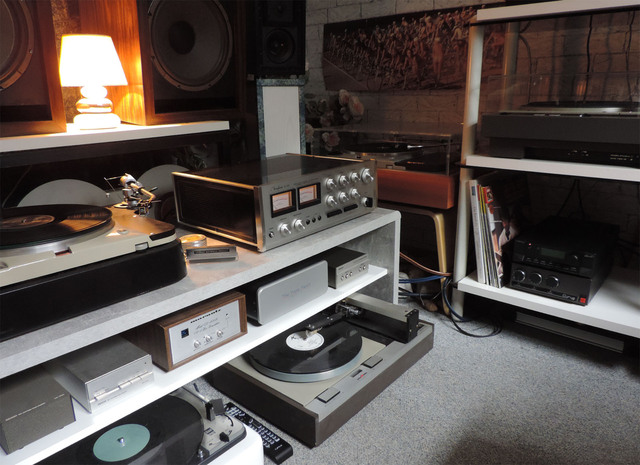 Accuphase E-202 (2)