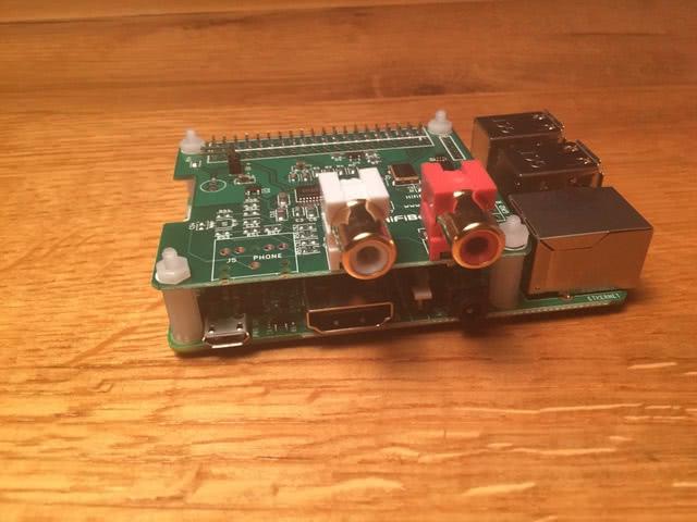 Montage Raspberry und Hifiberry in Gehäuse