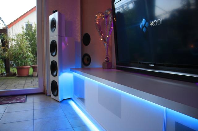 spectral m bel allgemeines hifi forum. Black Bedroom Furniture Sets. Home Design Ideas