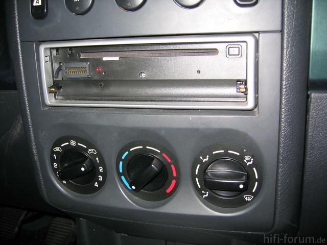 1)Radio