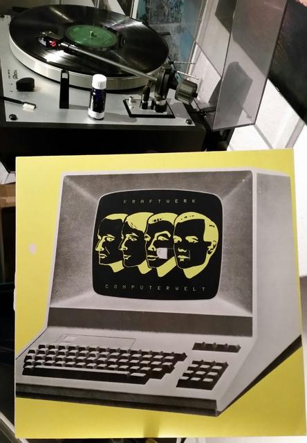 KRAFTWERK Computerliebe (1981)