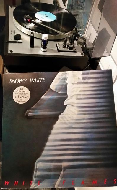 SNOWY WHITE White Flames (1983)
