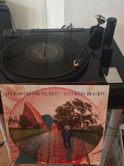 Lee Ranaldo and The Dust - Last Night On Earth [2013]