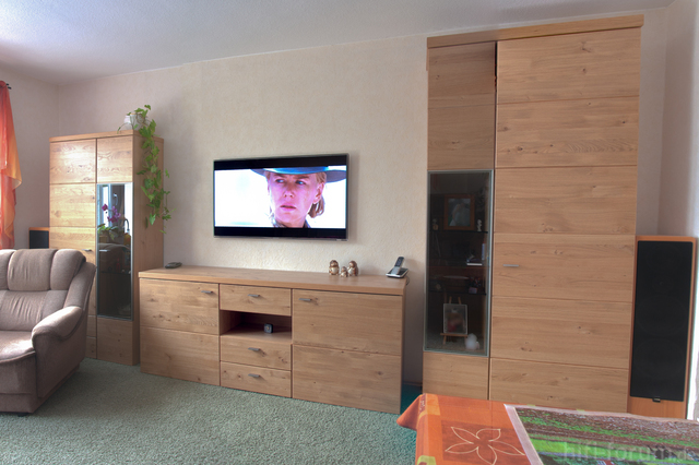 fernseher aufhaengen tipps wandmontage. Black Bedroom Furniture Sets. Home Design Ideas