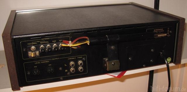 TX-6200 Von Hinten
