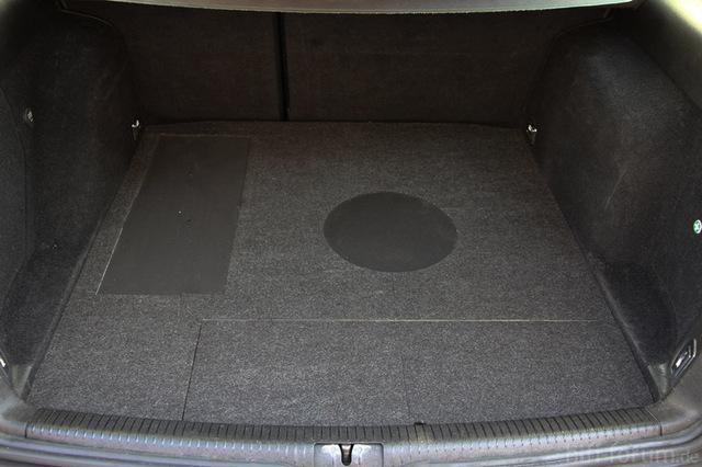 subwoofergeh use golf iv variant zu verschenken car hifi. Black Bedroom Furniture Sets. Home Design Ideas