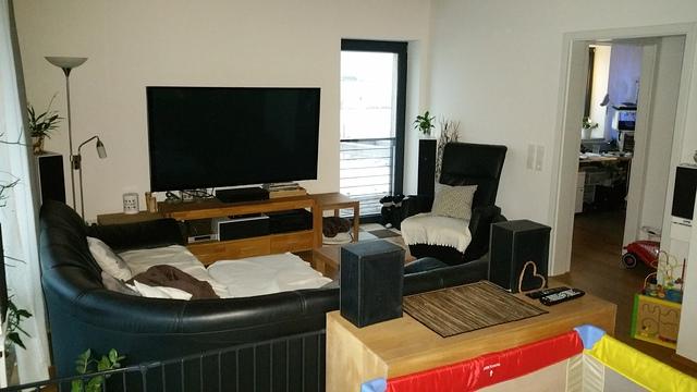 wohnzimmer upgrade / beamer und leinwand oder sony 75zd9, Wohnzimmer