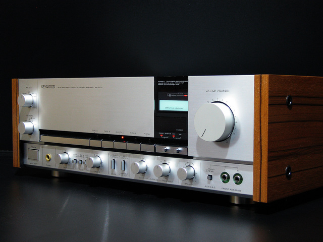 Kenwood KA-2200 Seitenteile